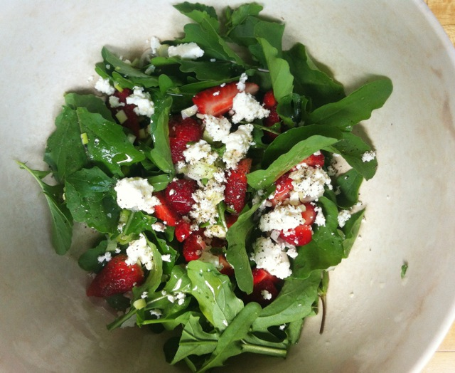 arugula strawberry feta salad